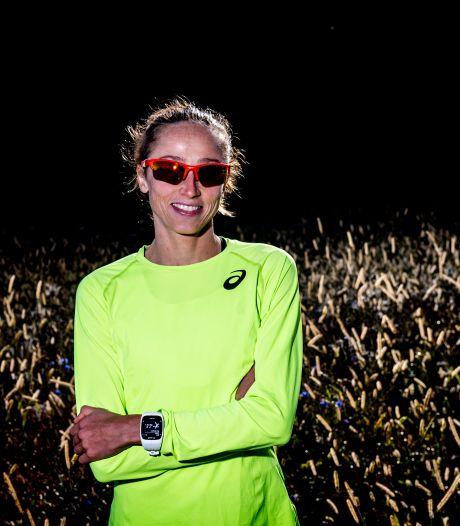 Andrea Deelstra uit Wapenveld laat zien in vorm te zijn voor Tokio met winst op halve marathon in Oostenrijk