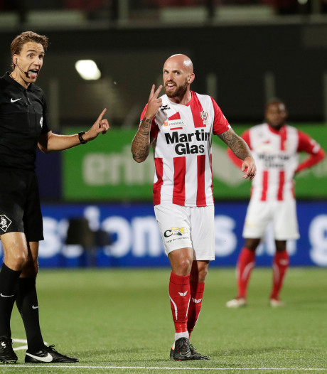 TOP Oss rekent pas na penalty's af met Rijnsburgse Boys