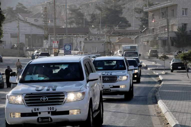 Het VN-konvooi in Libanon, na de grensoversteek met Syrië. Beeld epa