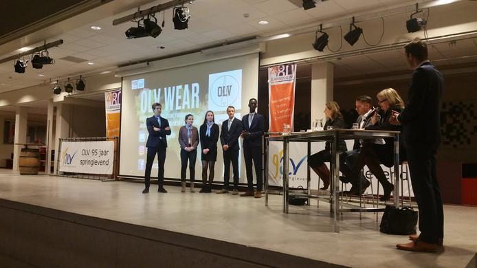 Scholieren OLV presenteren ondernemingsplan aan jury