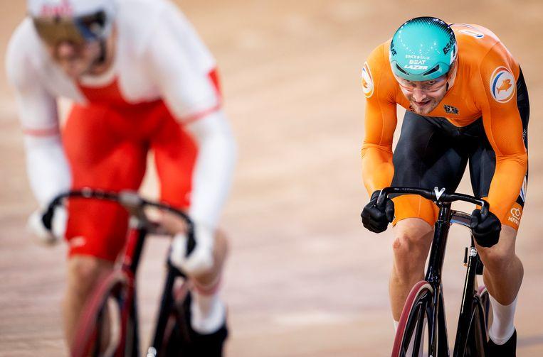 Matthijs Buchli in actie tijdens de Sprint op de vierde dag van de wereldkampioenschappen baanwielrennen.  Beeld Hollandse Hoogte /  ANP