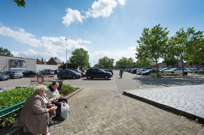 Cultuurcentrum Zwaneberg palmt deze zomer het Cultuurplein in Heist-op-den-Berg in met een amfitheater