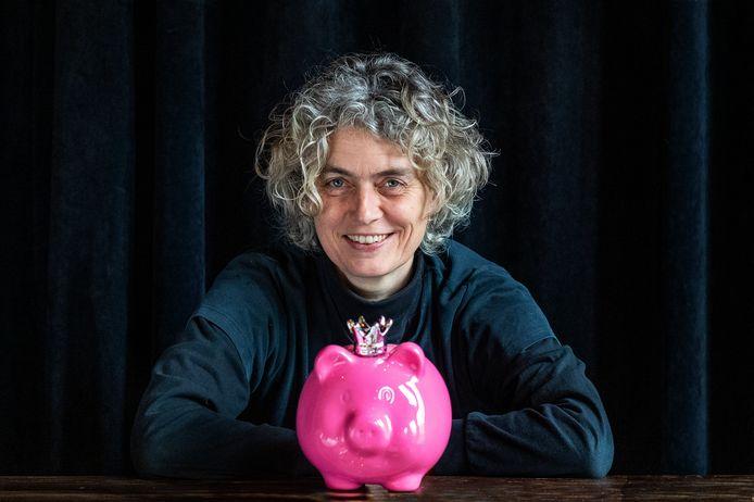"""Anya Wiersma: ,,Kinderen die thuis niet meekrijgen hoe ze met geld om moeten gaan, zijn in het nadeel."""""""