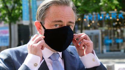 'Gemaskerde' De Wever inspecteert de Meir
