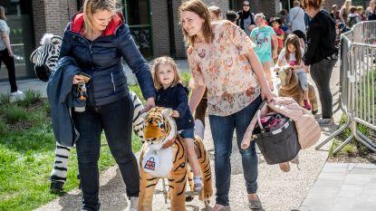 FOTOREEKS. Kinderen gaan uit de bol op Buitenspeeldag