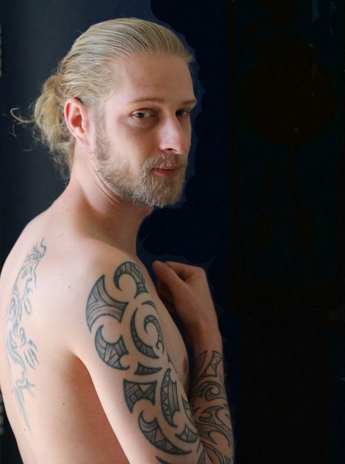 Dubbeldam-voetballer Bjorn van Ingen: ,,De meeste tatoeages heb ik zelf getekend.''