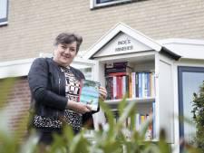 Inge uit Enter heeft goed gevulde minibieb: 'Mijn boeken zijn alleen om te ruilen'