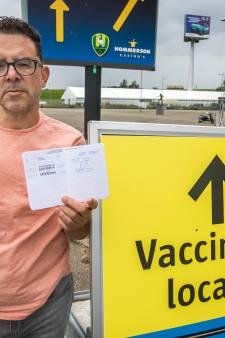 Gesjoemel met geel vaccinatieboekje blijkt heel eenvoudig: 'Vult u uw naam maar thuis in'