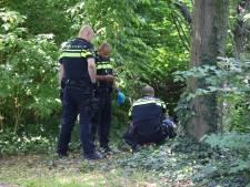 Dronken man uit bosjes weggehaald: buurt is overlast beu