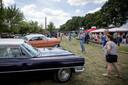 De Oldtimershow in Losser trok veel publiek.