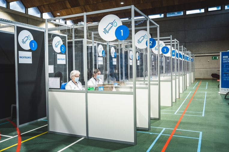 Vaccinatiecentrum in het UZ Gent. Beeld Wannes Nimmegeers