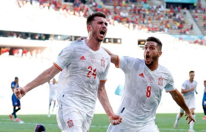 Aymeric Laporte en Koke juichen na de 2-0 voor Spanje.