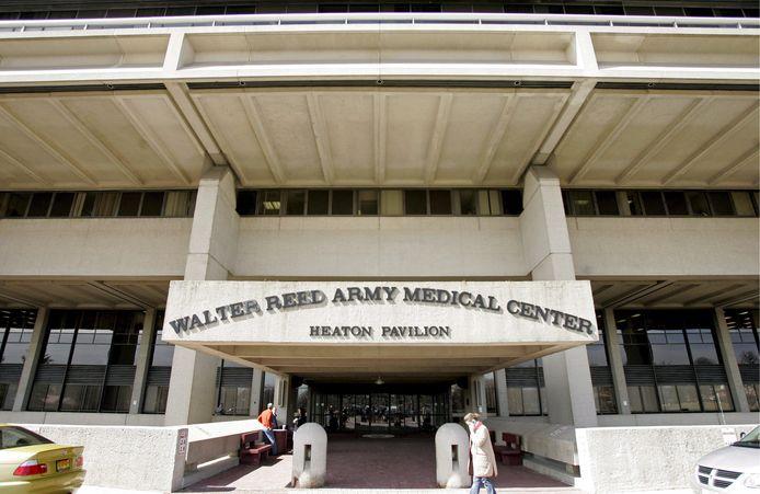 President Donald Trump ligt in het Walter Reed militair medisch hospitaal