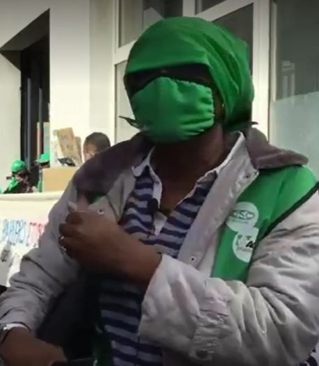"""Deux travailleuses domestiques sans-papiers réclament leurs impayés: """"Ils me doivent trois mois de salaire"""""""