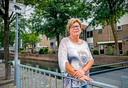 Thea Pits van 'Beverwaard Zegt Nee' protesteerde tegen de komst van het azc in haar wijk.
