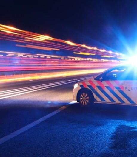 28-jarige man op de vlucht na bijna aanrijden van agent in Nijmegen