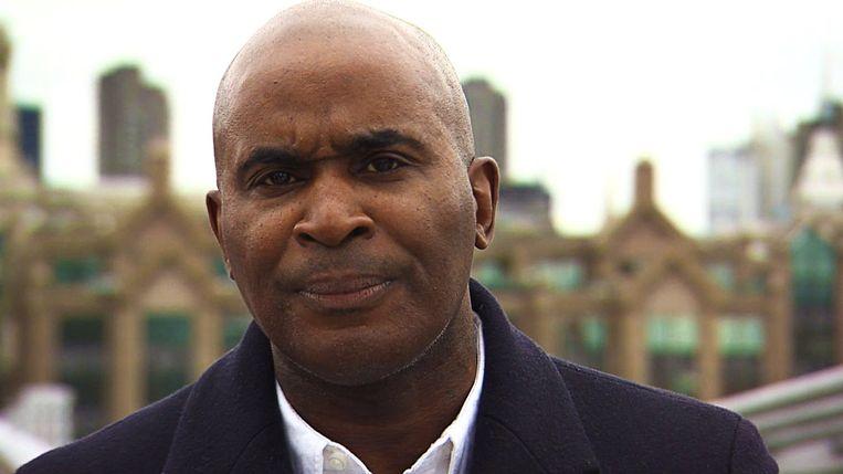 Robert Beckford, medepresentator van de BBC-podcast 'Beyond Belief'. Beeld BBC