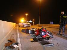 Motor crasht in Leidsche Rijn, bestuurder gewond