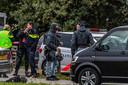 Een arrestatieteam kamde de loods uit, omdat er mogelijk meer mensen aanwezig waren. Dit bleek niet het geval te zijn.