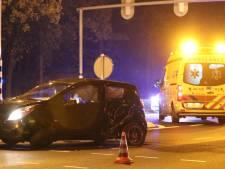 'Gelanceerde' auto ramt verkeerslicht in Ugchelen