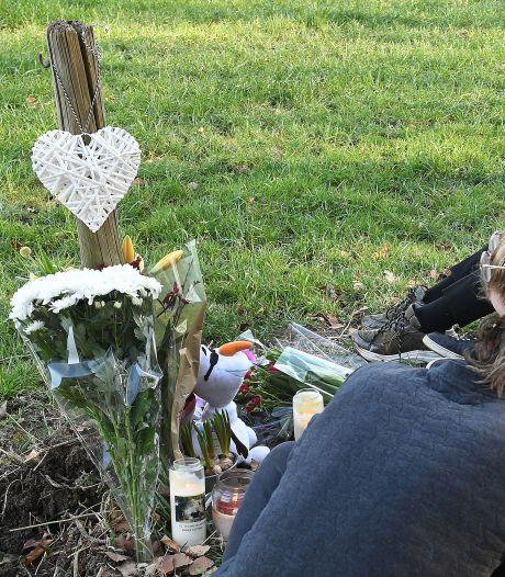 Bloemen, kaarsen en een knuffel voor omgekomen studente (18) uit Cuijk: 'Ze was een vriendin van mij'