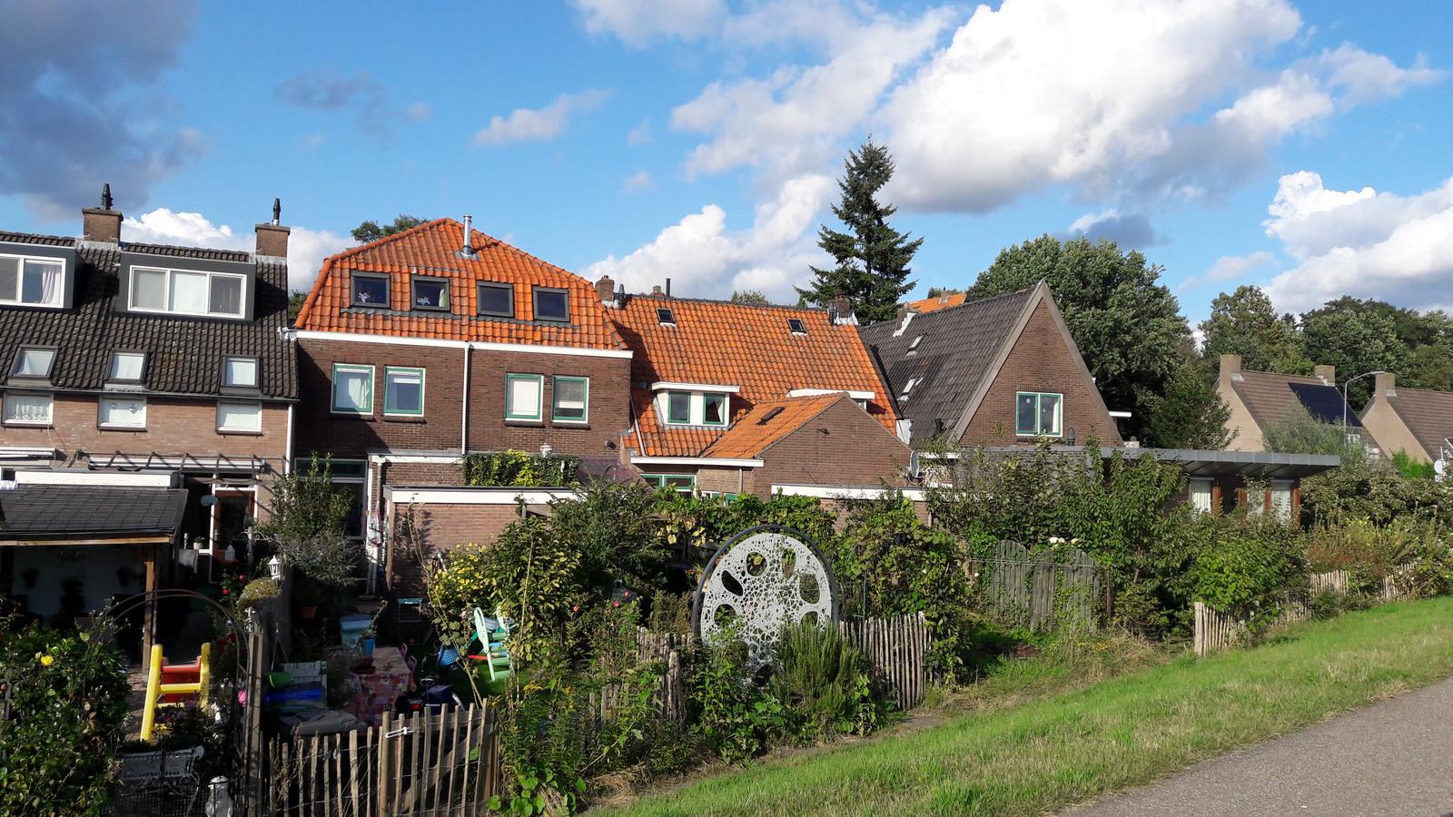 De woningen aan de Veerstraat.