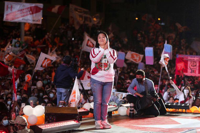De rechtse presidentskandidaat Keiko Fujimori op campagne in de Peruaanse hoofdstad Lima.  Beeld Sebastian Castaneda / Reuters