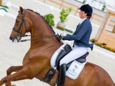 Op een paard zitten is voor MS-patiënte Neel Schakel-Van Klei uit Holten al winst