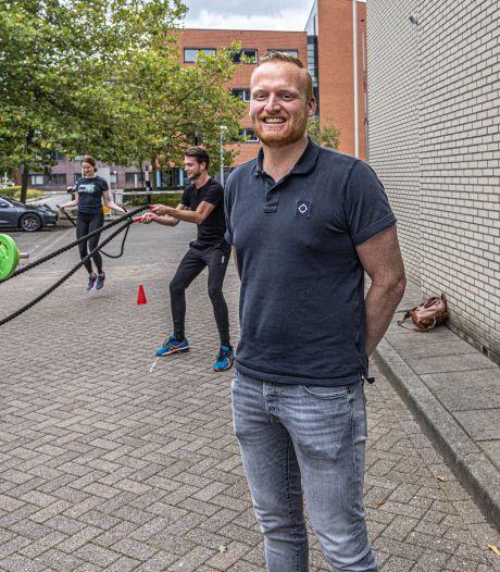 Dennis (29) leidt een miljoenenbedrijf: 'Het is bizar en ik schrik er zelf ook weleens van'
