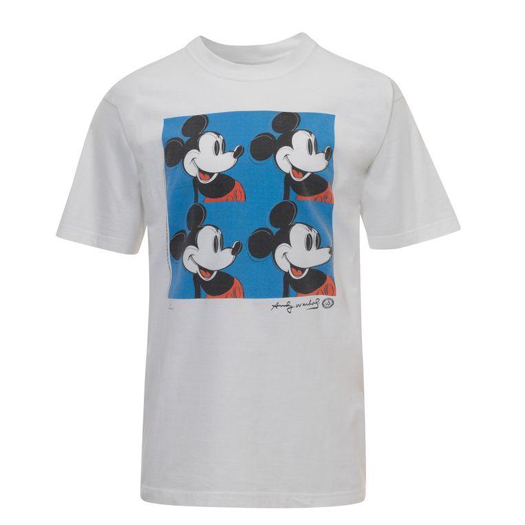 Een Warhol-T-shirt uit de museumshop van Tate Modern. Beeld TATE/The Andy Warhol Foundation for the Visual Arts