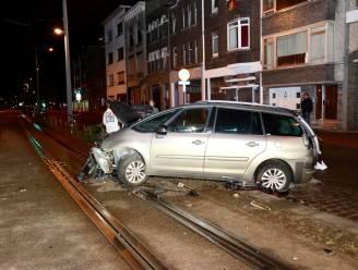 Wagens zwaar beschadigd door ongeluk in Hoboken