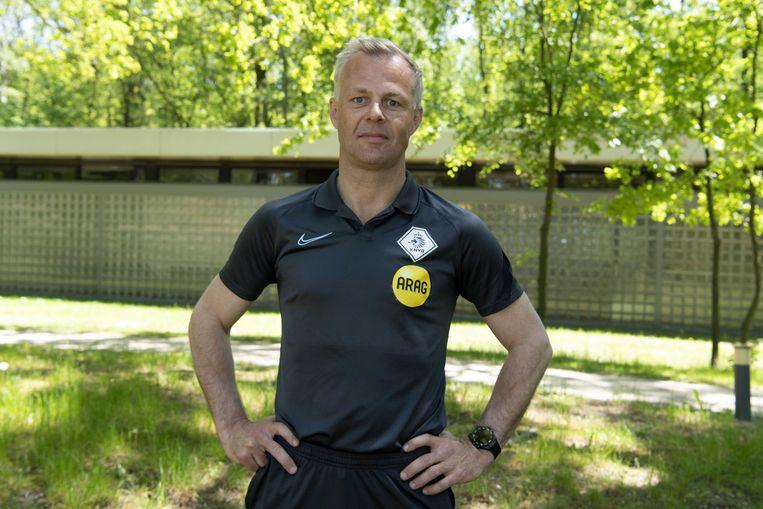 Scheidsrechter Björn Kuipers: 'Je kunt de pannen van het dak fluiten en op het laatst een fout maken. Dan kan het einde oefening zijn.' Beeld EPA