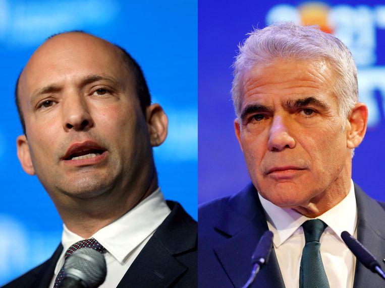 Naftali Bennett en Yair Lapid willen met hun coalitie van acht partijen de komende vier jaar het Israëlische premierschap delen. Beeld REUTERS