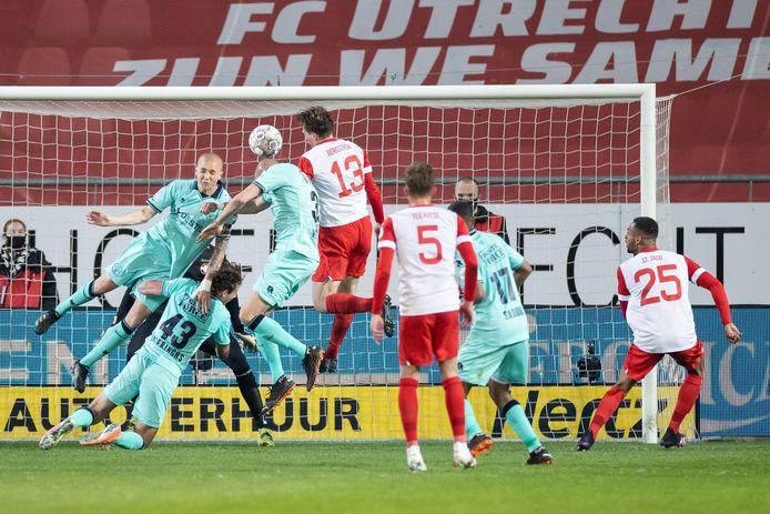 De eigen goal van Sven van Beek.