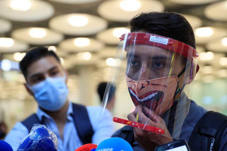 Egan Bernal no aeroporto de Madri.