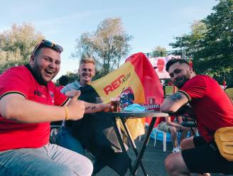 """Rode Duivels-fans zitten klaar in EK-dorp aan Forum: """"Straf dat Krejeis en Okapi dit klaarspeelden"""""""