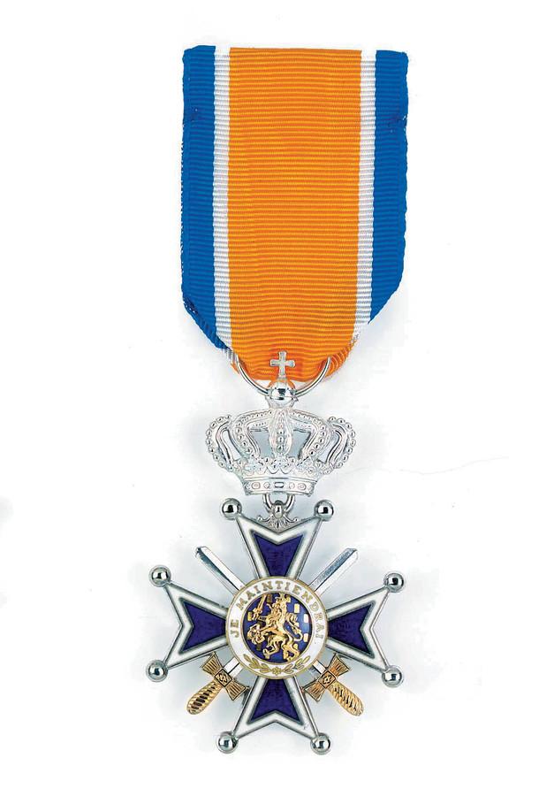 Ridder in de Orde van Oranje-Nassau met Zwaarden.