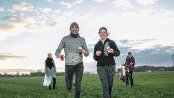 'Plog it like it's hot' voor de Warmste Week: Dafné en Thomas joggen én ruimen afval over 22 kilometer