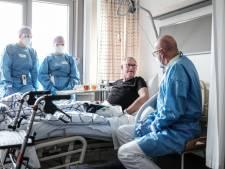Covid-afdeling van het ziekenhuis stroomt weer vol: 'Zoon kwam op de eerste hulp, moeder stierf aan corona'