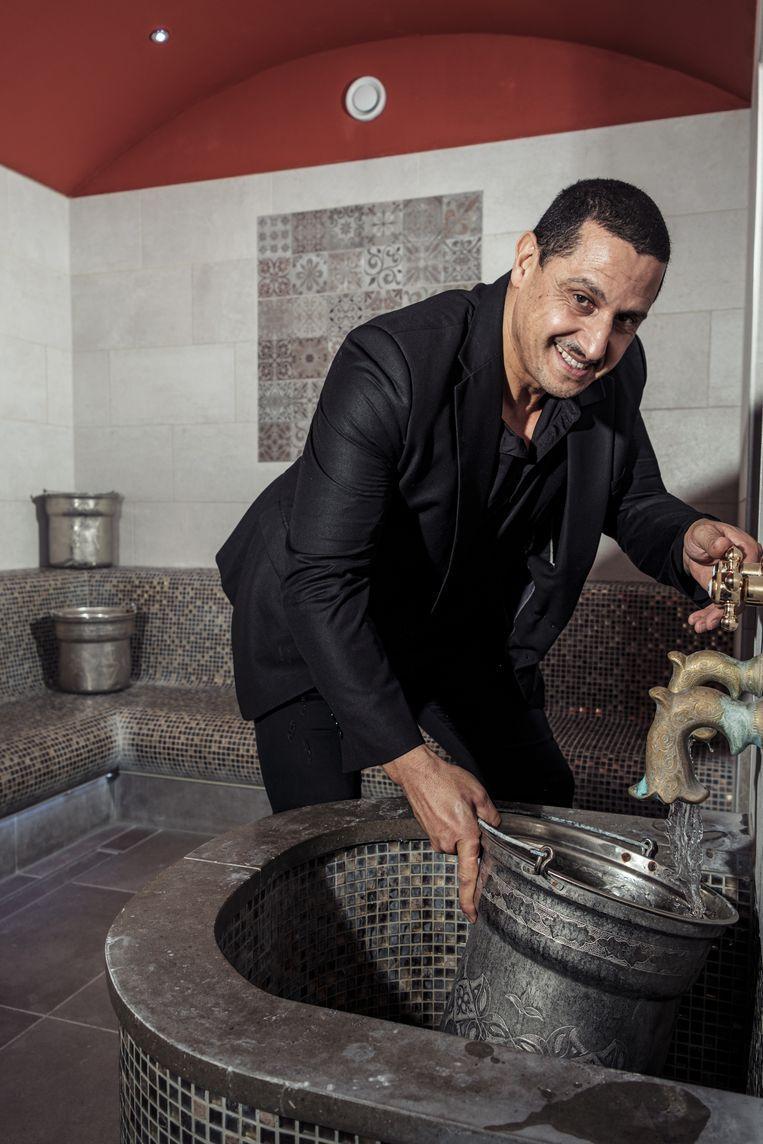 Mohammed Benzinne (50), eigenaar van privé spa en hamam Du Sahara. Beeld Jakob van Vliet