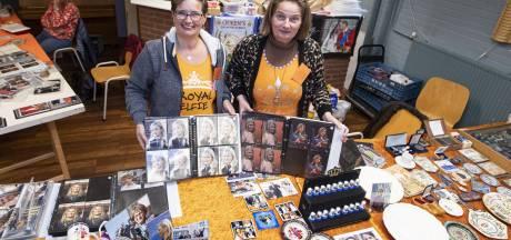 Royal Verzamelbeurs in Nijverdal: tweeling maakt koninklijke foto's
