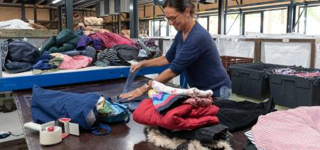 Kringloopcentrum heeft het zwaar: stuk minder personeel door corona (en dus ook minder spullen)