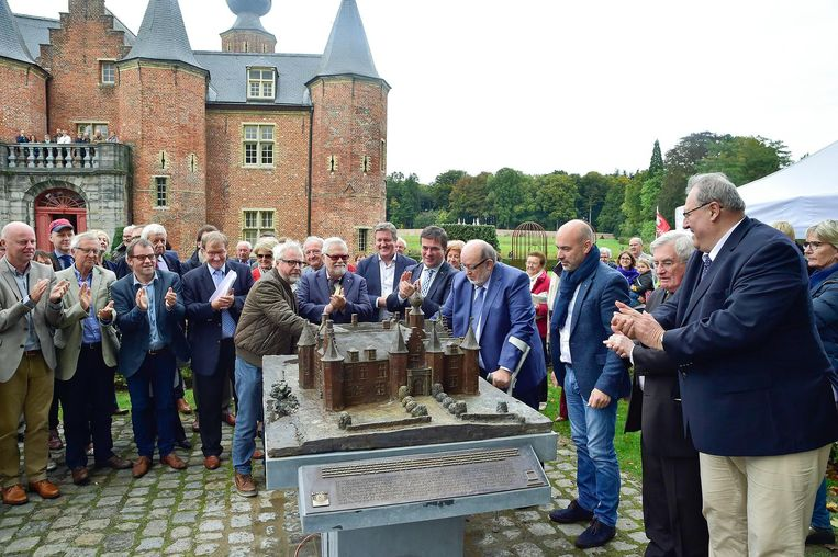 De maquette van het kasteel van Rumbeke werd gisteren onthuld.