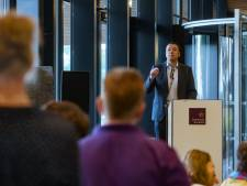 Introductielesje werken bij de gemeente Rucphen: Wie zoet is krijgt..... 'Geld!'