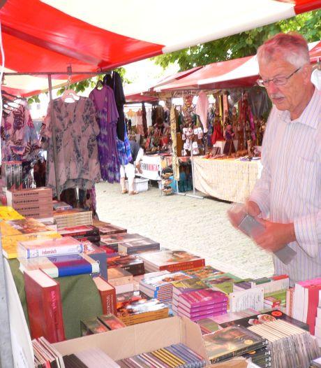 De Scheveningse boekhandelaar Han den Dulk werd dé specialist van Indische literatuur