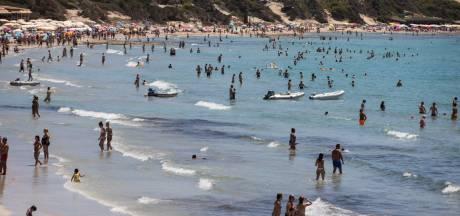 Stelling | Belachelijk dat toeristen nog naar 'oranje' Spanje en Portugal mogen