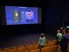 Uitgegamed op je tv? In Alblasserdam kun je FIFA 21 spelen (en meer) op een bioscoopscherm