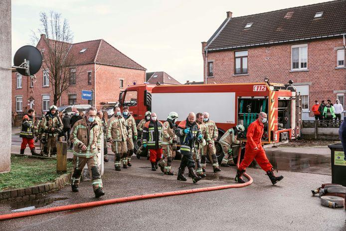 De brandweer kon de brand in de Turfstraat snel onder controle krijgen.