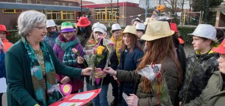 Tiels schoolhoofd Marijke Pitlo neemt gelukkig afscheid van een school vol kinderen