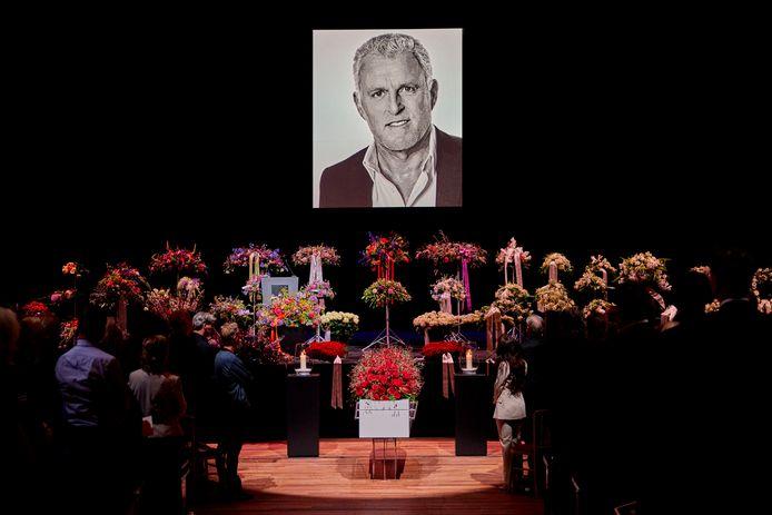 Het besloten afscheid van Peter R. de Vries in Carré.